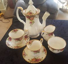 Royal Albert English bone china set - Old country rose (27x)