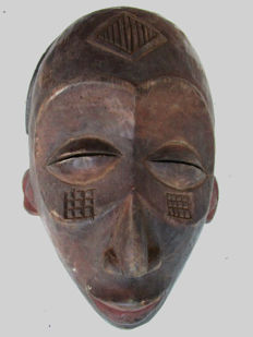 Sublime CHOKWE or TSCHOKWE mask Congo
