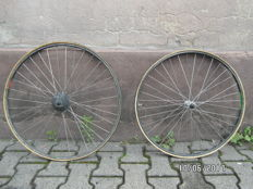 "Montreal Ambrosio - Shimano 105 Wheels - 28""-back/26''-front - for road bike CRONO/Low Pro/Tubular"
