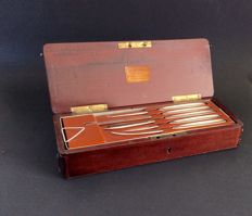 A mahogany surgical operation chest, signed J.Pohl  Den Haag ( 24-piece set), 1st half 20th century, dimensions  26 X 10 X 5 CM, in very good condition.