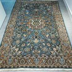 Magnificent old Qom Persian carpet with silk – 217 x 144  – with certificate