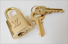 Louis Vuitton — Padlock with 2 keys