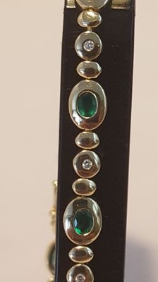 Bracelet with diamond and emerald