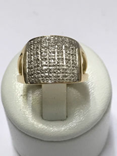 18 kt gold ring with 0.49 ct diamonds - size 54.