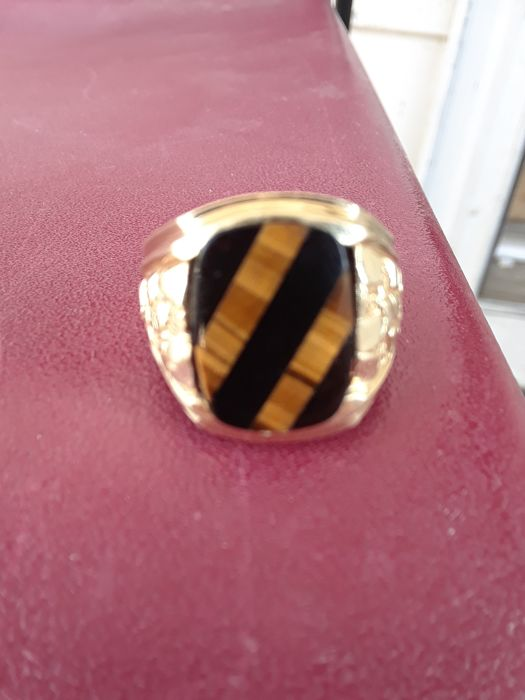 14 kt gold ring set with onyx gemstone - Measurement: 21 mm.