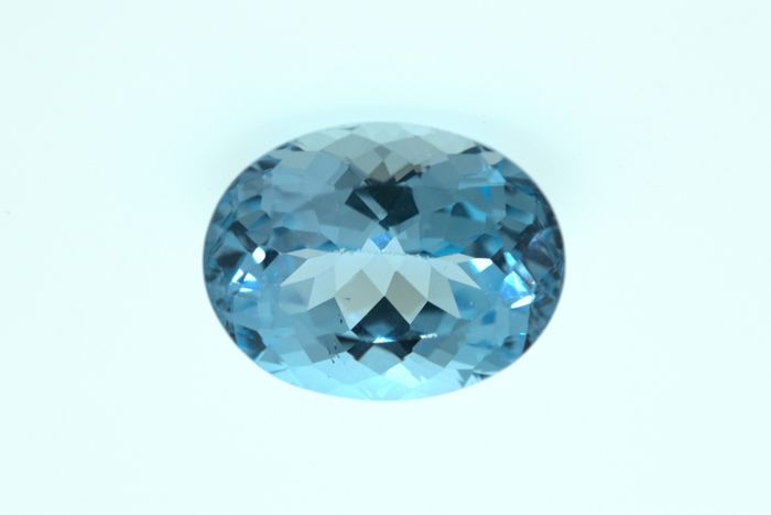 Light blue topaz – 32.18 ct