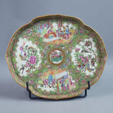 Canton porcelain tray - China - second half of the 19th century