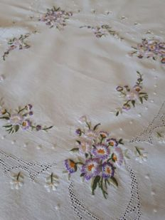 Hand embroidered tablecloth - Italy - 1960s