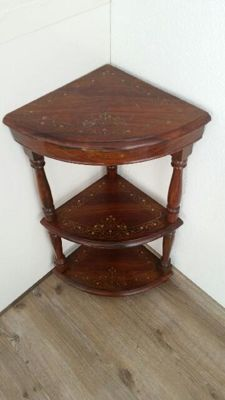 Corner etagere with inlaid flower motif, 2nd half of 20th century