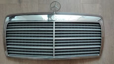 Mercedes Benz - radiator grille W124 E500