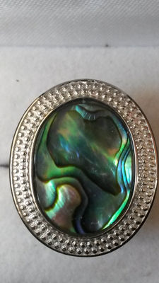 Stunning New Zealand Paua Coctail ring Unusual. Known as Opal of the Ocean.