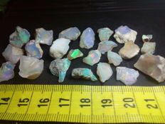 Beautiful Rough Welo Opal - 10 to 19 mm - 98,5 cts - 19,7 gr