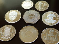 Africa – Lot of 8 coins (dollar, francs, shilling, dobras, kwacha) – 1995/2001 – 6 African states – silver/nickel silver