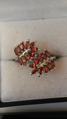 Rare Authentic Pyrope Garnet. 2.05ct Indian Rhodolite Garnet Dress ring. Distinctive