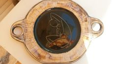 Plate decorated with female nude with six dishes, all signed on the rear (7 x)
