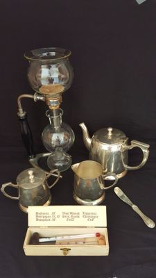 Set of 6 pieces assorted 20thC