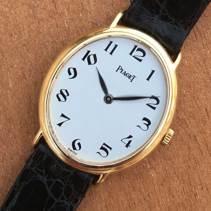 Piaget  Ref. 9822 -- Ladies Watch