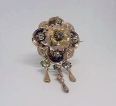 Brooch/Pendant in 18 kt rose gold and centre diamond – 19th Century