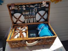 Very complete English picnic basket
