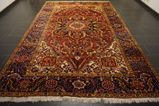 Rare beautiful hand-knotted Persian carpet Heris Heriz natural colours 240 x 360 cm