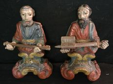 Pairs of sculptures of Saints, hand-carved in pine wood and hand-painted - Saint Peter and Saint Paul - Italy, Trento - 18th century