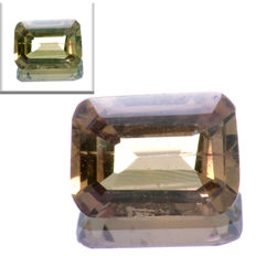 Sapphire with colour change green-orange – 0.91 ct