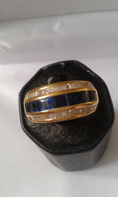 Gold 18K diamonds and sapphire 2,20 carat - weight 10,29g. - Size: 56,5