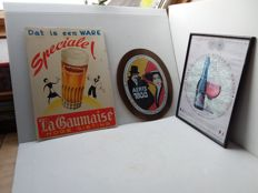 Antique beer advertising sign - 1975 1979 1982.