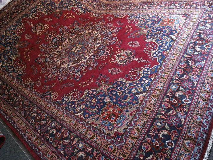 OLD Beautiful HAND-WOVEN MESZED in very good condition 400 x 300 cm