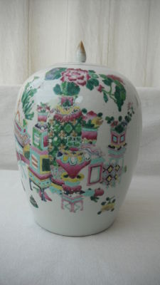 Large covered pot in famille-rose porcelain - China - 19th century