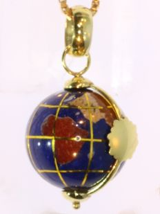 Vintage gold and enamel spinning globe pendant with necklace - anno 1950
