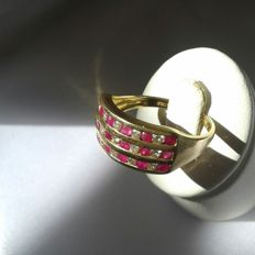 Gold 18K diamonds and ruby 0.60 carat - 3.45g. - Size: 54 **No reserve price.**