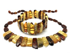 Collar necklace and bracelet set of Baltic amber - not pressed - weight 41.7 grams