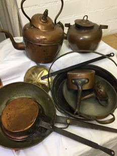 Lot with beautiful copper kitchen items