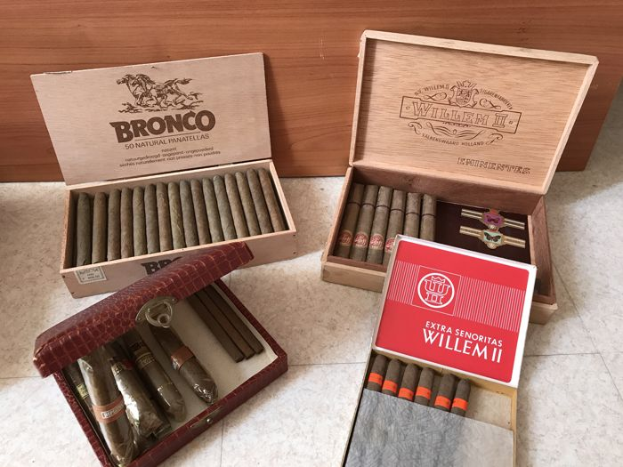 Beautiful full box Bronco and 3 other beautiful boxes of cigars superb !