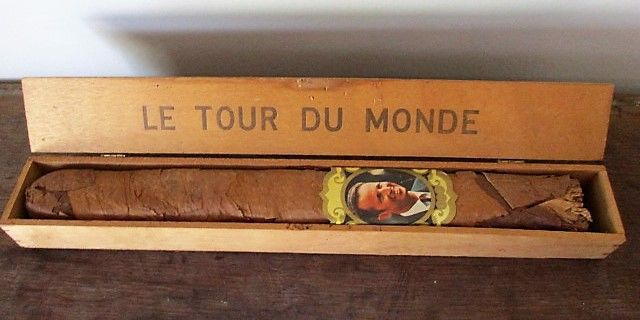 "Large ""le tour du monde"" cigar with King Baudouin -cigars band - from the 60s."
