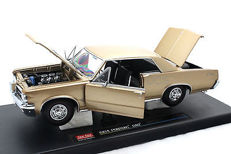 Sun Star - Scale 1/18 - Pontiac GTO 1964 - Gold