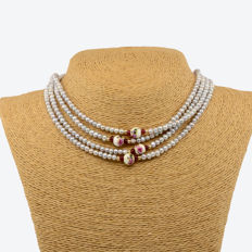 18k/750 Yellow gold - Long necklace with cultured pearls, rubies and porcelain beads - Length, 167 cm.