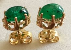 Earrings in 18 kt/750 yellow gold with oval cut emeralds weighing 1.18 ct – Earring length: 15 mm –  No reserve