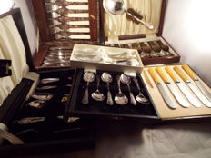 a joblot of vintage silverplated cutlery