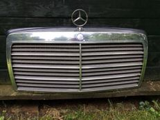 Mercedes-Benz radiator grille - approx. 65 x 63 cm - approx. 1976-1985 - W123
