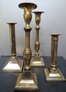 4 candlesticks in brass and bronze - England late 18th - early 19th century
