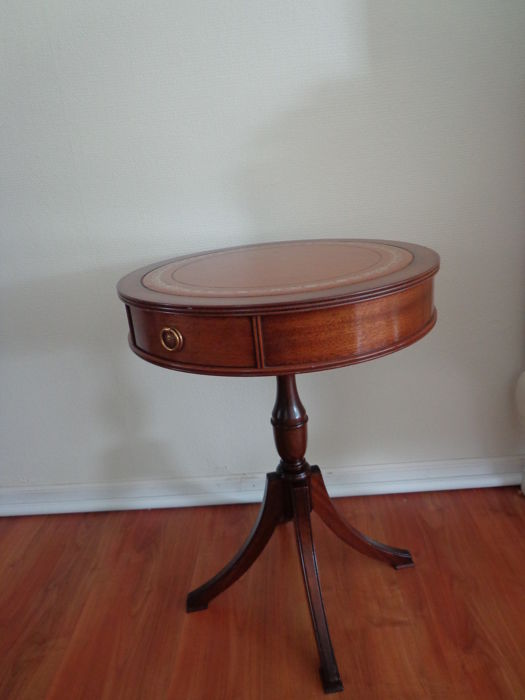 Mahogany drum table with leather inlaid top - 1 drawer - gold printed leather top, England, 2nd half of 20th century