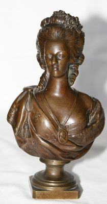 Distinguished Lady -  Patinated bronze bust - 19th century