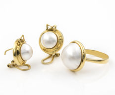 Ring and earrings set – 18 kt yellow gold – Mabe pearls – 10.20 and 15.35 mm