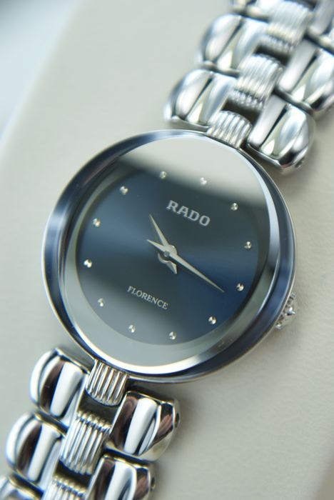 Rado  - Ladie's Swiss watch in mint condition