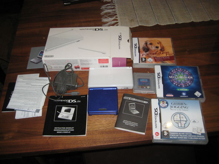DS Lite console and Gameboy Advance SP, 4 games  and Charger