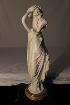 Sculpture of woman - 45 cm - second half of the 20th century