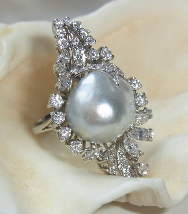 8afde6067 16 mm Gray Baroque South Sea Pearl Ring with Diamonds ca. 2,1 ct ...