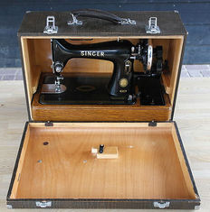 Singer 99K sewing machine with wooden case, 1955